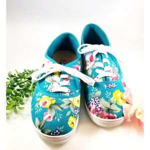 """💥"""" KALI"""" Turquoise Floral Sneakers💥"""